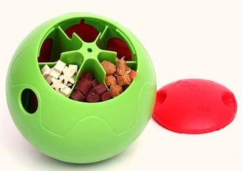 Evitar-que-Perro-muerda-objetos-o-mobiliario-con-juguete-comida.jpg