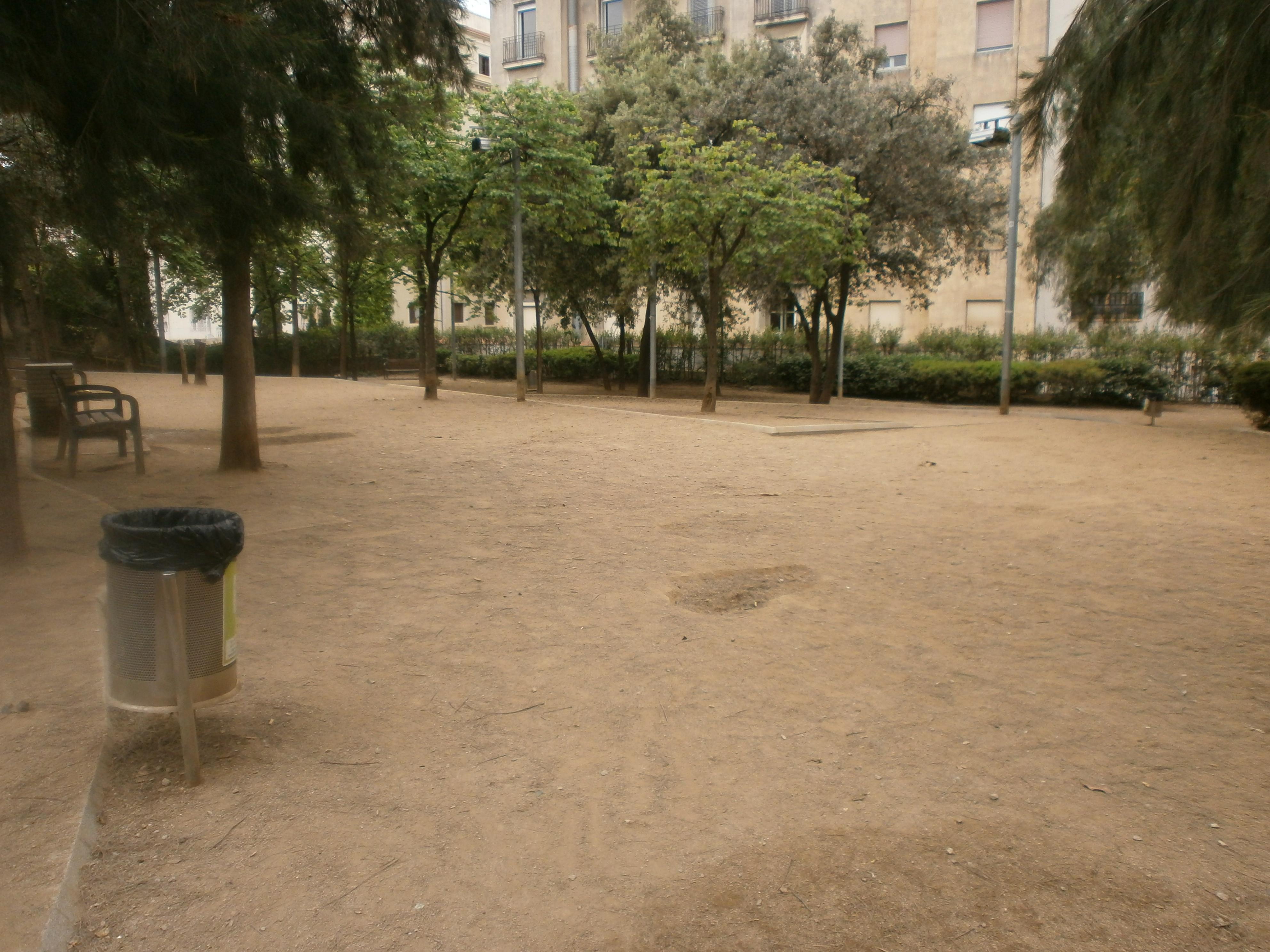 pipican-perro-barcelona-Parc-de-Monterols